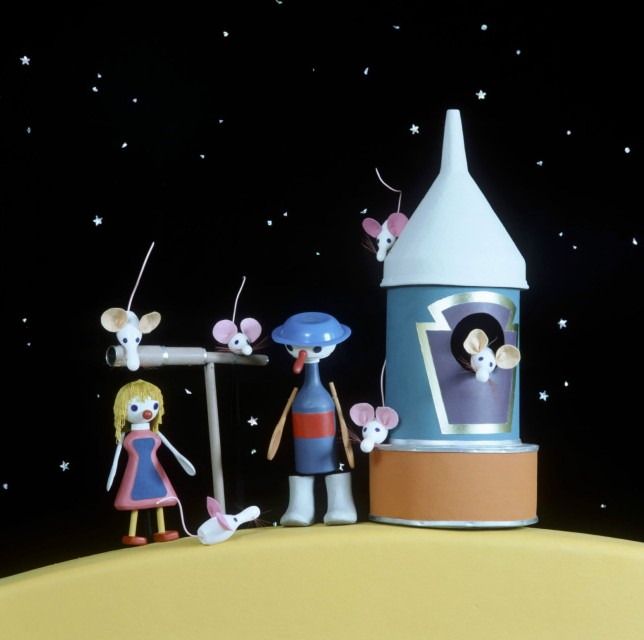 EDITORIAL USE ONLY / NO MERCHANDISING Mandatory Credit: Photo by FremantleMedia Ltd/REX (892312bv) 'Button Moon' - Children's puppet show. THAMES TV ARCHIVE