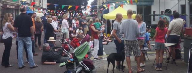 Chandos Road Street festival crowd2