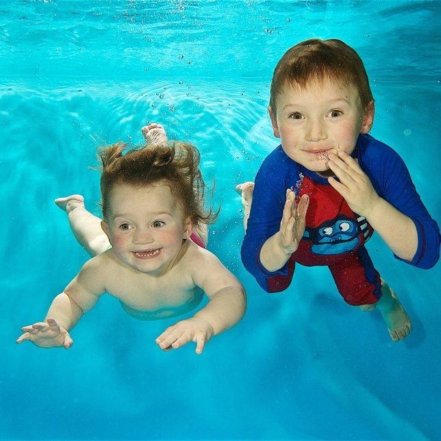 Turtle tots baby toddler underwater photography shoot tuesday 18th april bristol mum for St mary redcliffe swimming pool